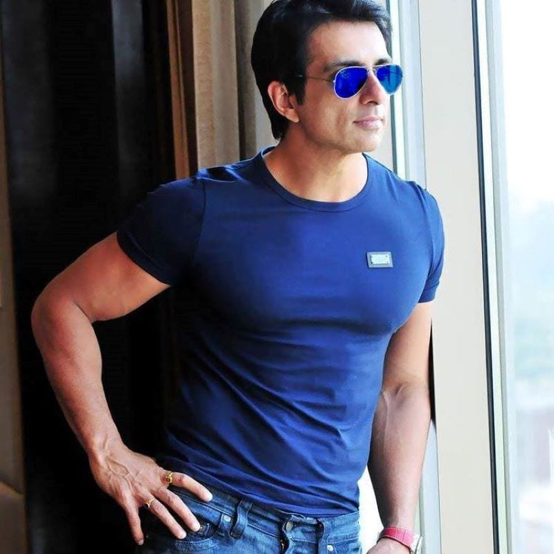 Sonu Sood now plays 'Love Guru', promises to a couple a dinner date