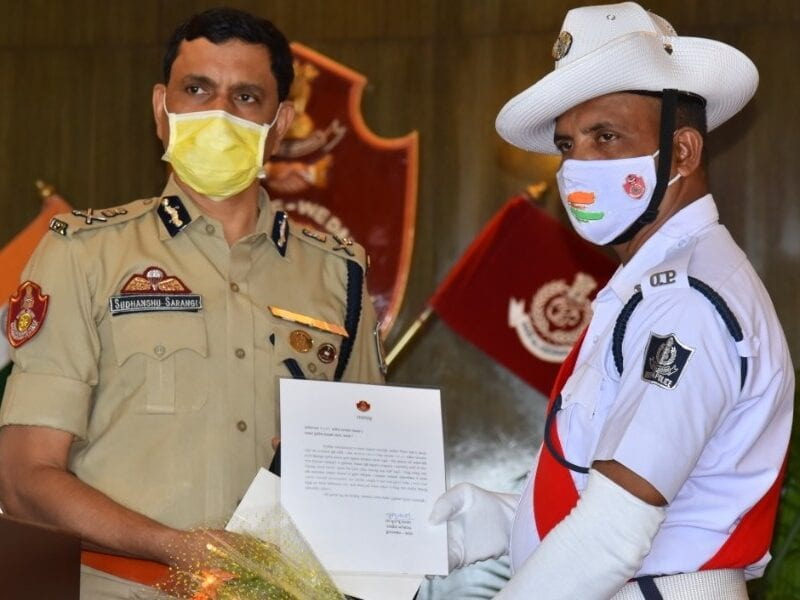 twitter salutes odisha traffic cop