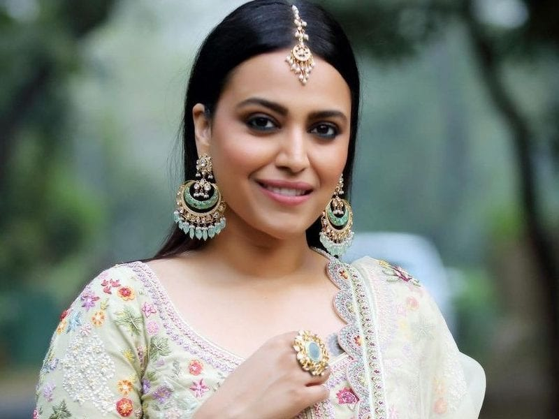 swara bhasker get trolled after defend web series tandav