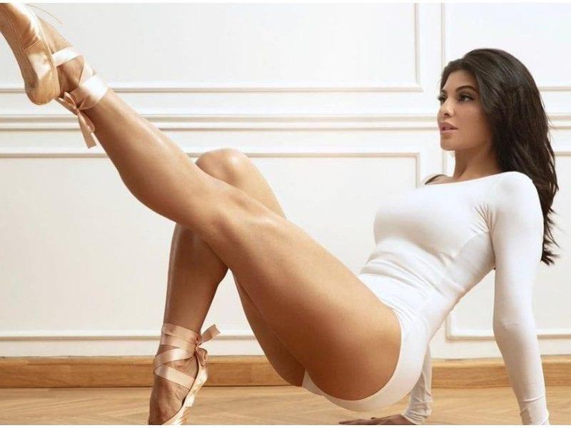 Jacqueline fernandez Wore Torn Dress Photo