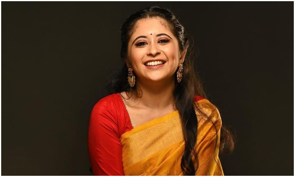 Gayatri Datar Joins Planet Marathi